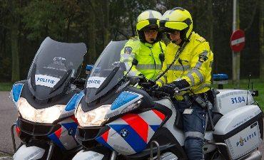 Amsterdam – Met z'n drieën langs lasercontrole