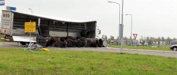 Gieten – Vrachtwagen verliest donderdagmiddag zijn lading (Video)