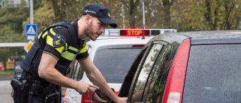 Driebergen, Tilburg – Aangehouden na weer rijden zonder rijbewijs