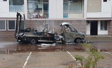 Eindhoven – Vrachtauto vol chemicaliën in brand gezet