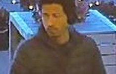 Arnhem – Gezocht – Man bedreigt personeel in winkels Arnhem met mes