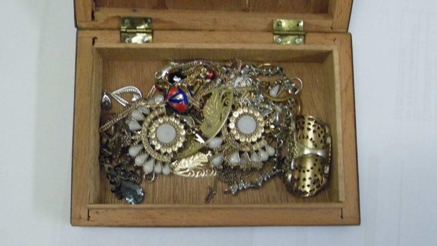 Gezocht – Van wie zijn deze horloges en sieraden?