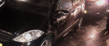 Rotterdam – Tiener ramt politieauto in Rotterdam