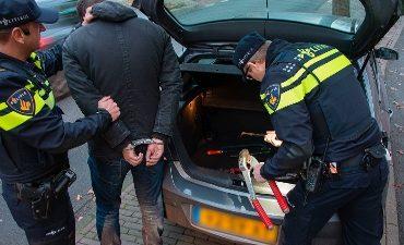 Zwolle – Politie houdt twee verdachten aan voor mobiel banditisme