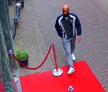 Dordrecht – Gezocht – Man steelt tas met geld in casino Dordrecht