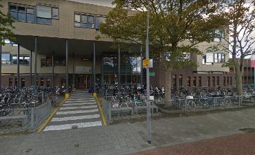 Middelburg – Duo steelt contant geld uit school aan Breeweg