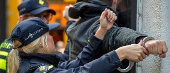 Tilburg – Arrestatie voor vernieling loopt uit op bedreiging met messen