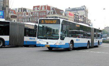 Amsterdam – Getuigen gezocht van mishandeling buschauffeur (67) in Geuzenveld