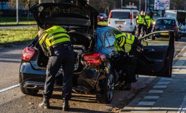 Rotterdam – Tientallen boetes en vijf aanhoudingen bij verkeerscontrole
