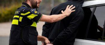 Den Haag – Twee agenten gewond na achtervolging