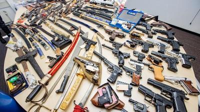 Arnhem – Arnhemmers geven massaal gehoor aan wapeninleveractie
